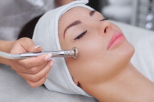 Cosmetic-Treatments-To-Beat-The-January-Blues-Microdermabrasion